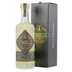 Citadelle Réserve Barrel Aged Gin 45,2 % Vol. 0,7 Liter bei Premium-Rum.de bestellen.